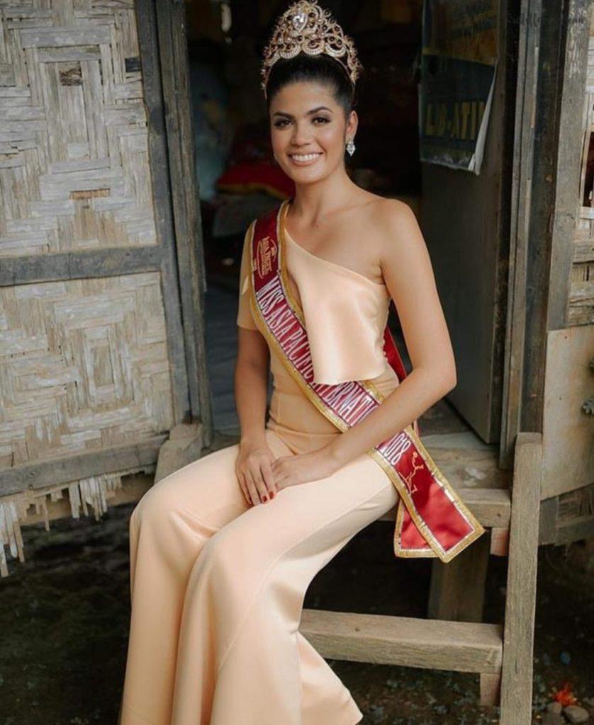 Sharifa-Akeel-Miss-Asia-Pacific-International-2018-Penjaga-Warung