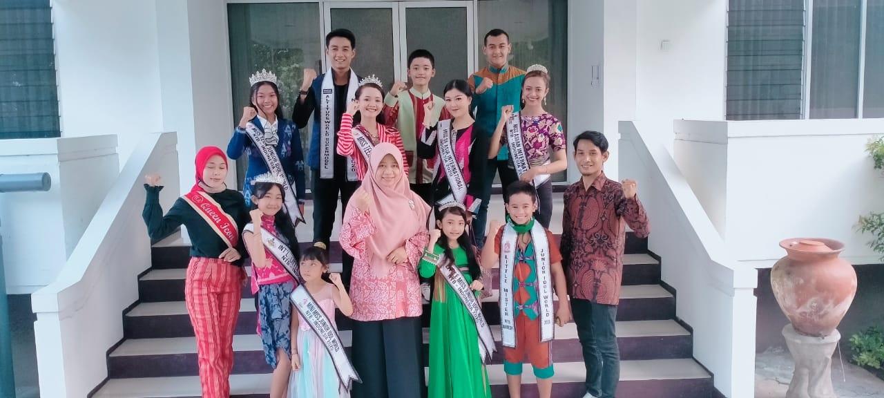12-Putra-Putri-Nusa-Tenggara-Barat-Audiensi-Ke-Kantor-Gubernur-Sebelum-Berangkat-Ke-Ajang-Internasional