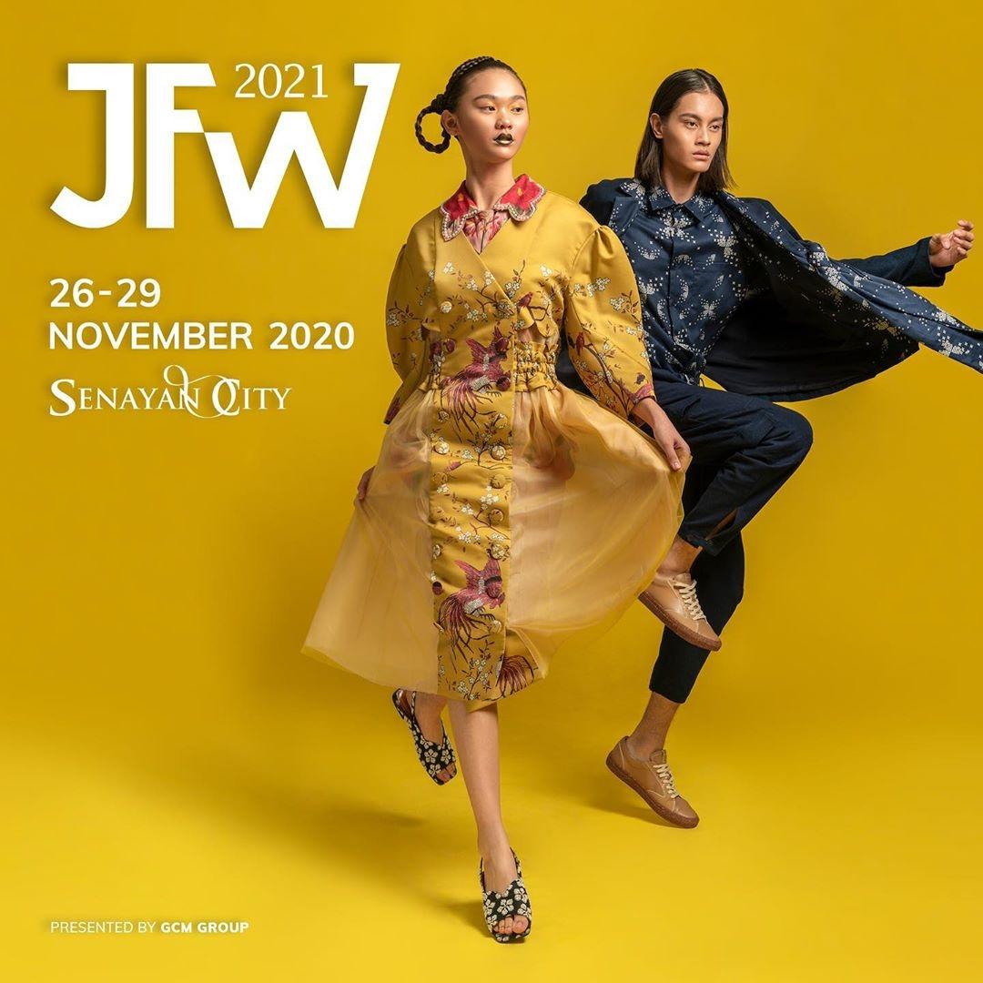 Maria-Karina-dan-Rizal-Mara-ikon-Jakarta-Fashion-Week-2021