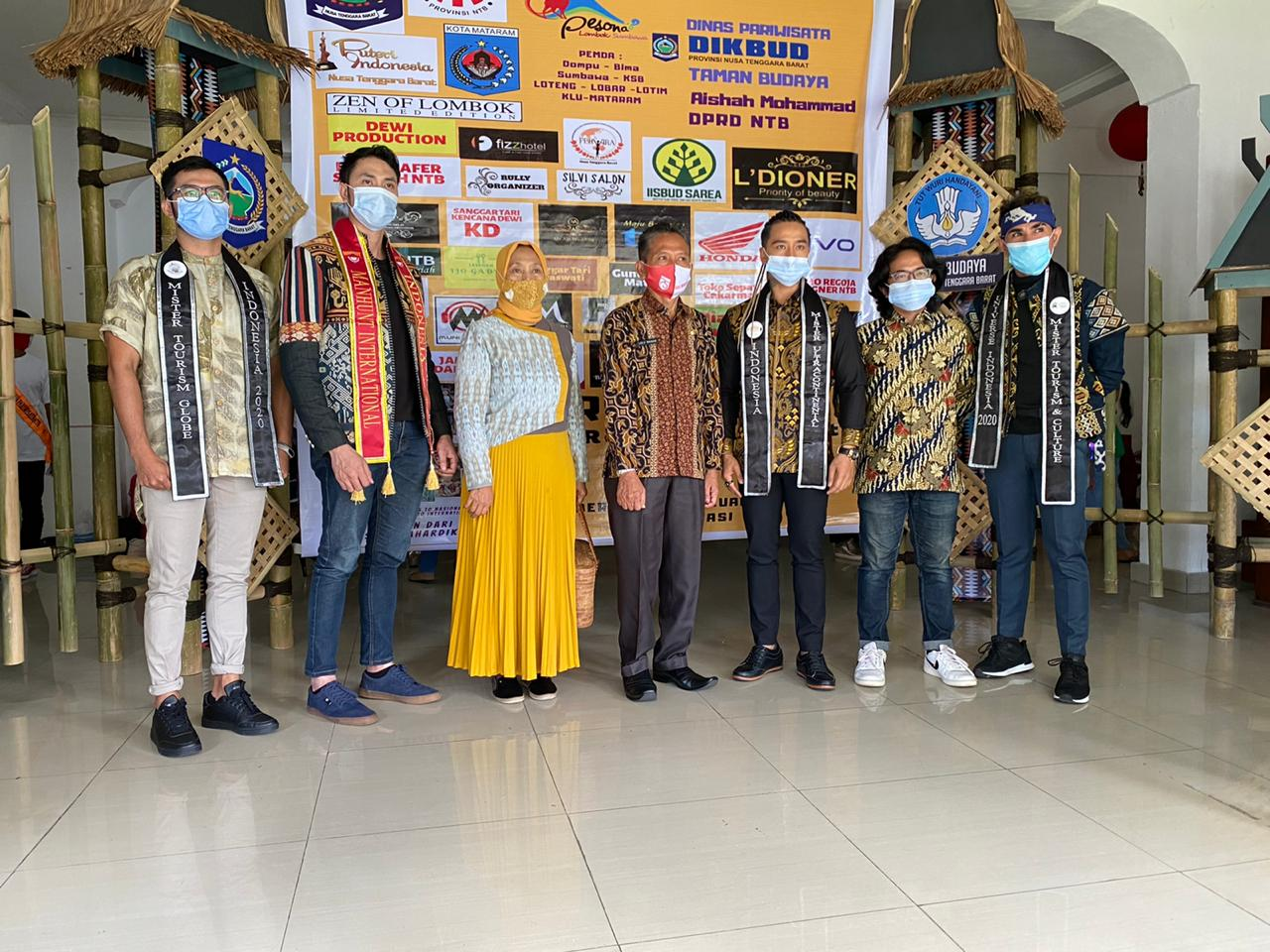 4-Alumni-Manhunt-International-Indonesia-Juri-Duta-Pariwisata-NTB-2020