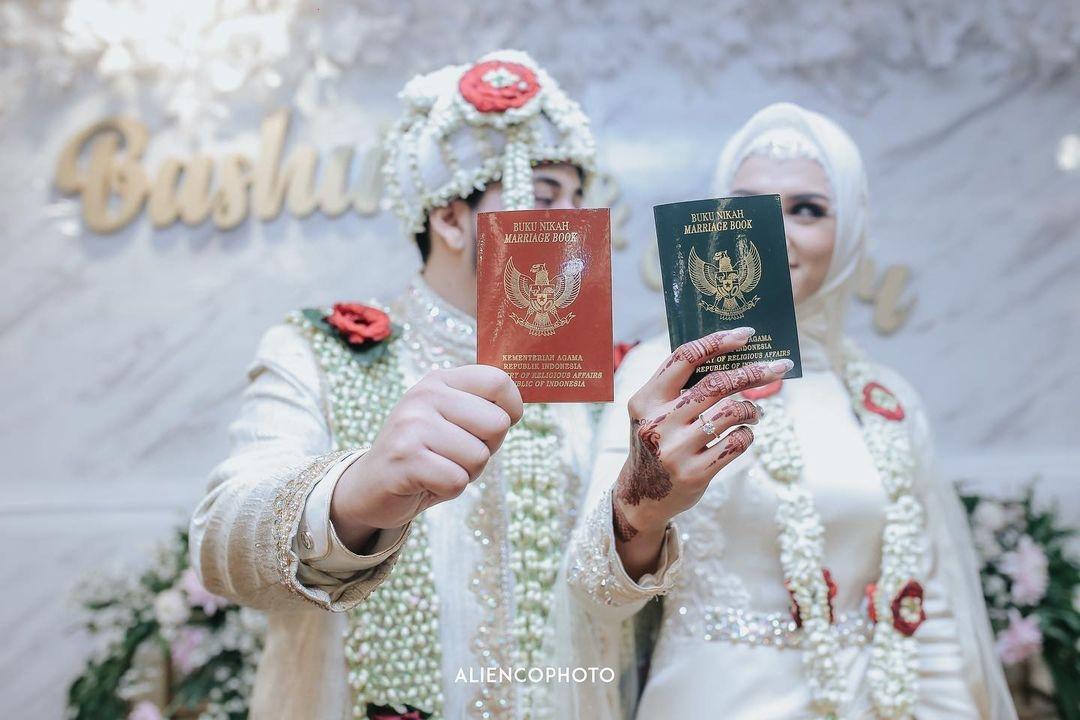 Nurul-Bashirah-Puteri-Muslimah-Indonesia-2019-menikah-dengan-pujaan-hatinya-Hasan-Fiki