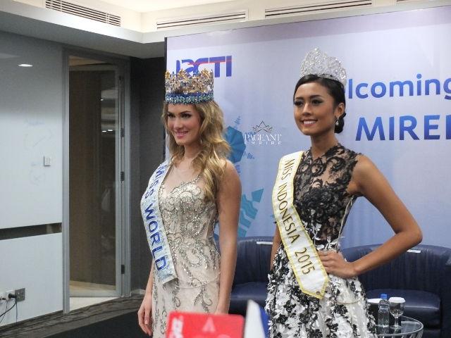 Mireia-Lalaguna-Miss-World-2015-dan-Maria-Harfanti-Miss-Indonesia-2015