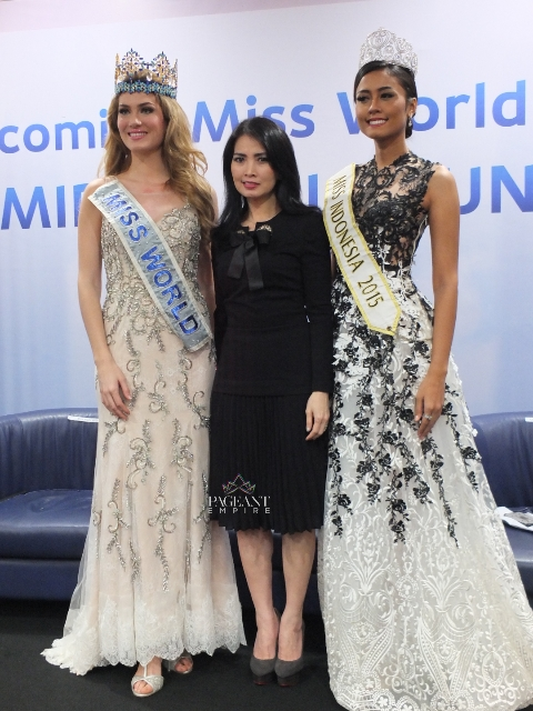 Mireia-Lalaguna-Miss-World-2015-dan-Maria-Harfanti-Miss-Indonesia-2015-Liliana-Tanoesoedibjo-chairwoman-of-miss-indonesia-organization