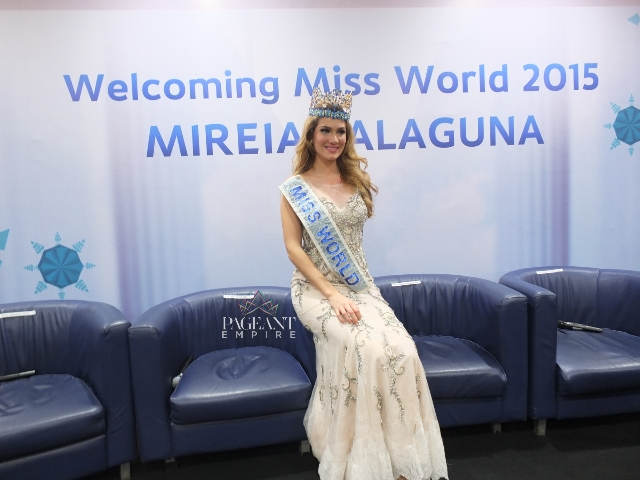Mireia-Lalaguna-Miss-World-2015