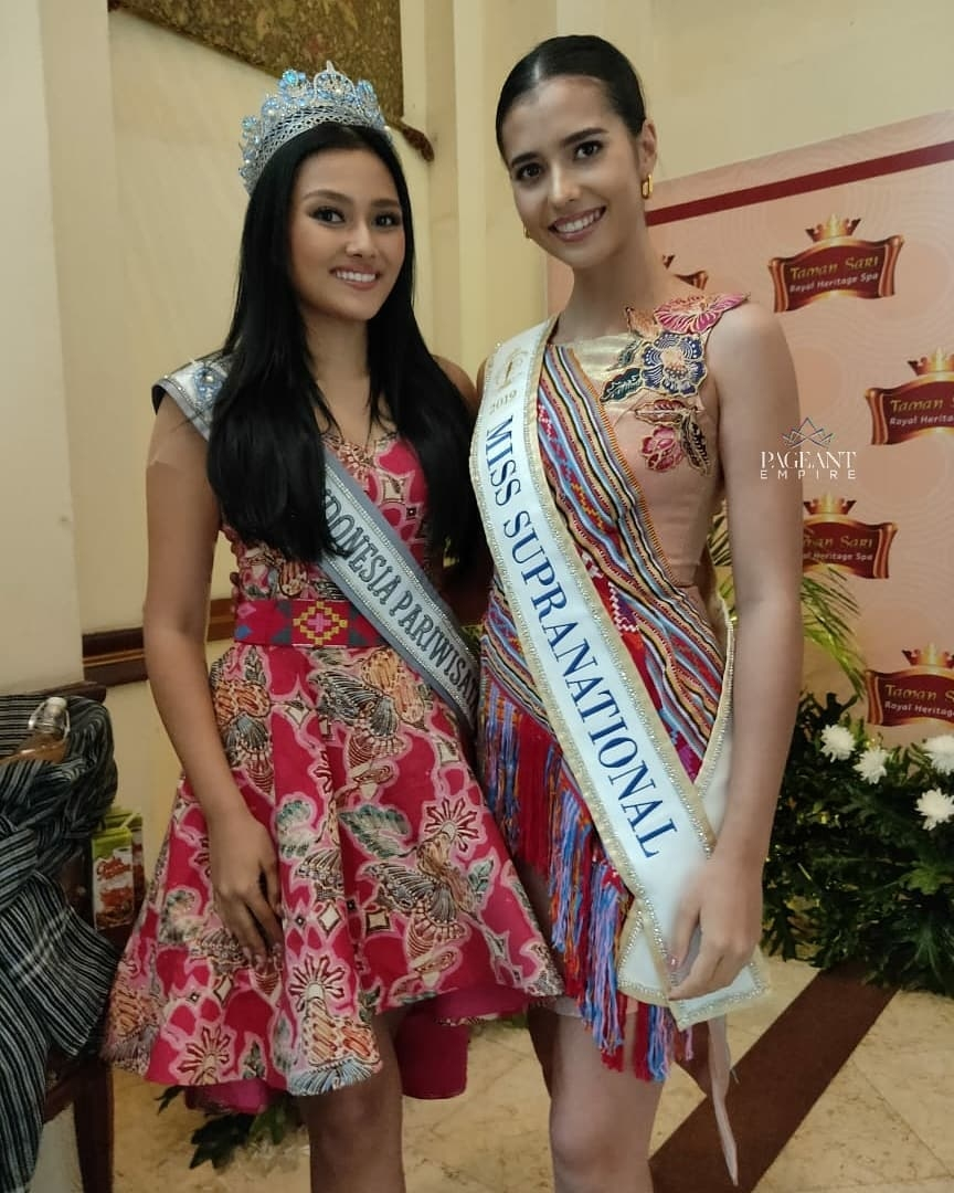 Jesica-Fitriana-Puteri-Indonesia-Pariwisata-2019-dan-2nd-runner-up-Miss-Supranational-2019-Anntonia-Porsild-Miss-Supranational-2019