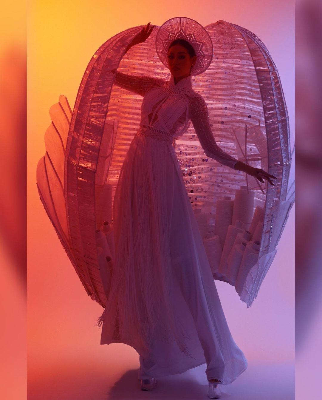 Vietnam-Top-11-Best-National-Costume-Miss-Universe-2020