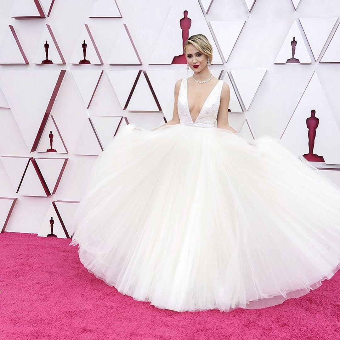 Maria-Bakalova-Top-10-Best-Evening-Gown-Red-Carpet-Oscar-2021